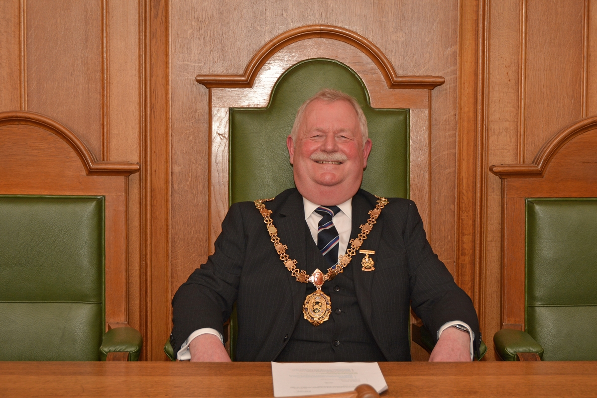 Jim Davies, Town Mayor