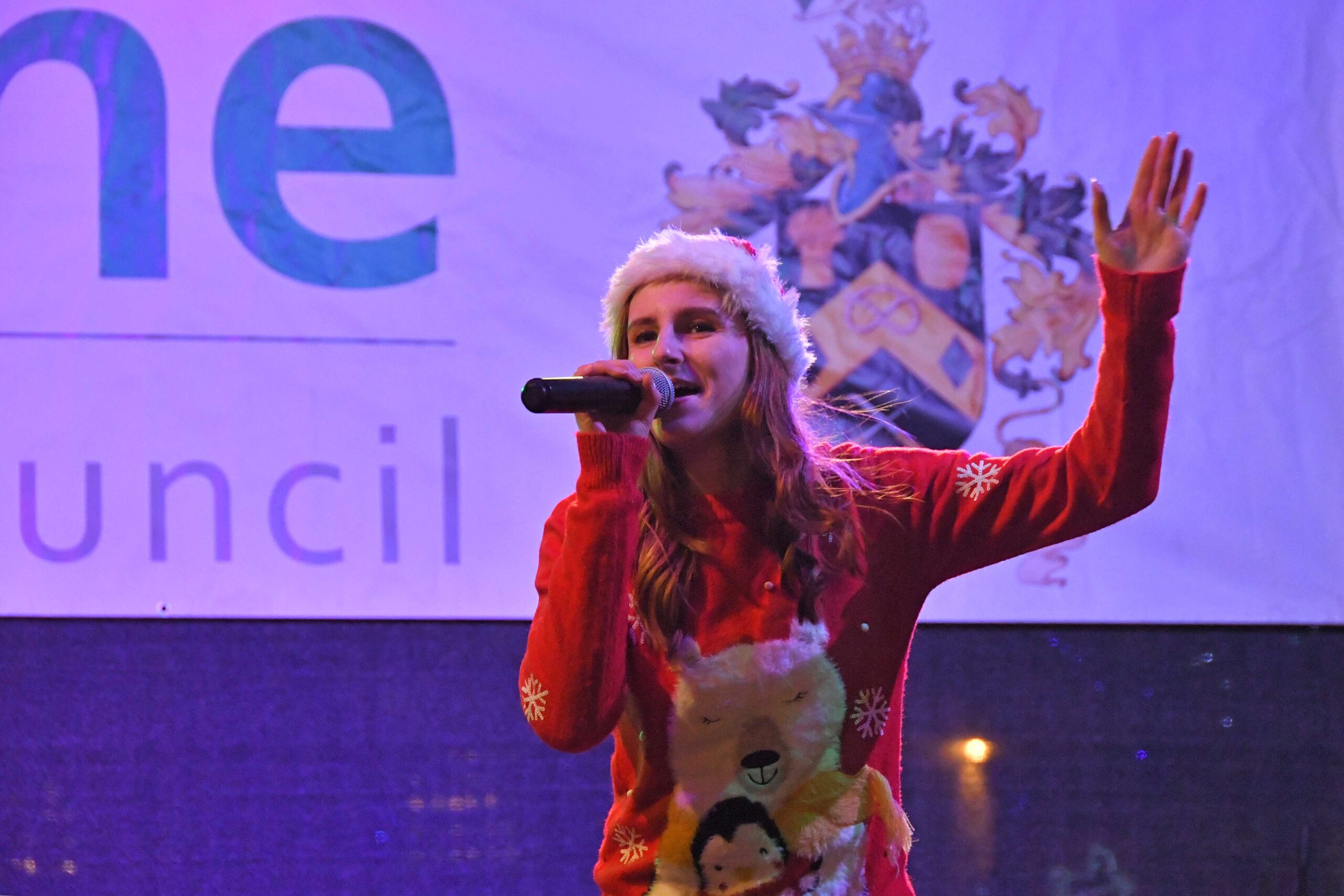 Christmas Lights Switch On Singer